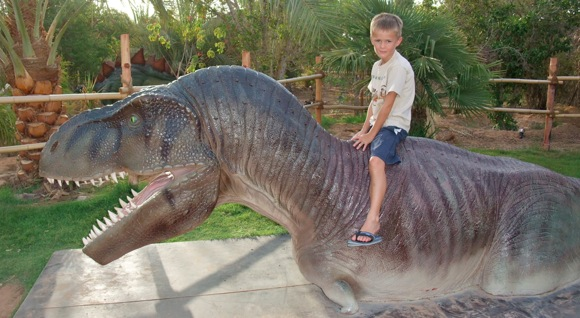 Al-Ain-Wildlife-Park-Dinosaur-Exhibition-6