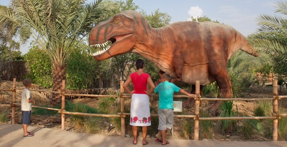 Al-Ain-Wildlife-Park-Dinosaur-Exhibition-t-rex